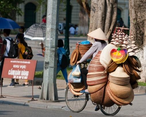 Gadesælger i Hanoi